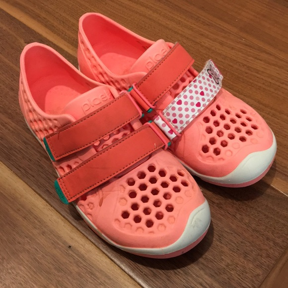 bfa6efdc45ca Plae Mimo Water Shoes. M 5b2bc73b951996af762f7340